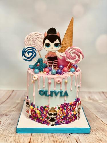 Custom cakes-10