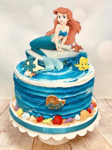 Custom cakes-12