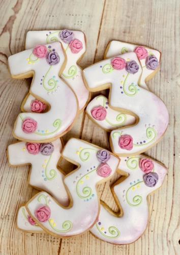Custom cookies-06